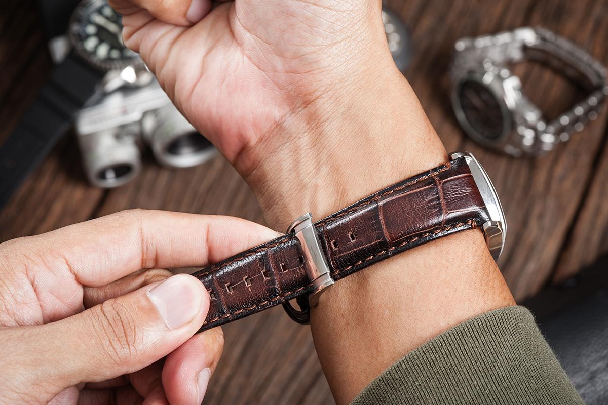 wymiana bransolety w zegarku