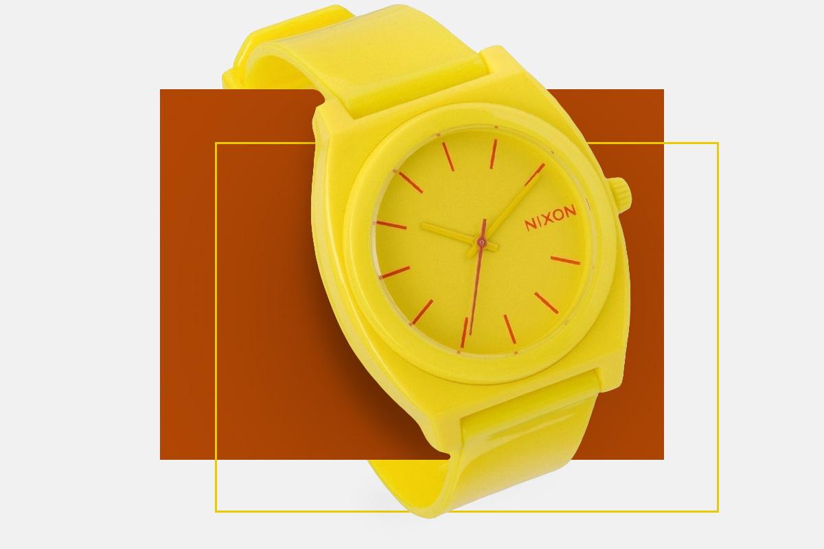 Pantone kolor roku zegarek Nixon